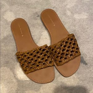 TAN ZARA FLAT SLIDES